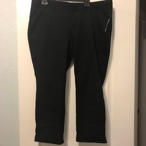Old Navy Black Capri Pants